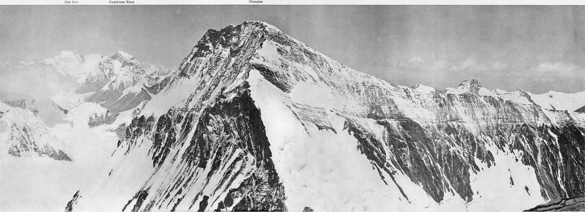 perssuive speech on mt everest outline Sarah is writing an essay about the mountain-climbing culture at mount everest in tibet and nepal while revising her first draft, she creates a reverse outline to double check that her paper has a logical flow.